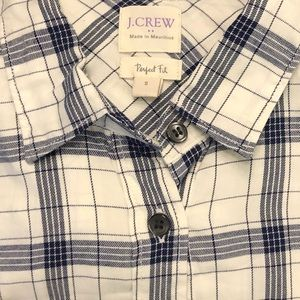 J.Crew perfect fit button up shirt